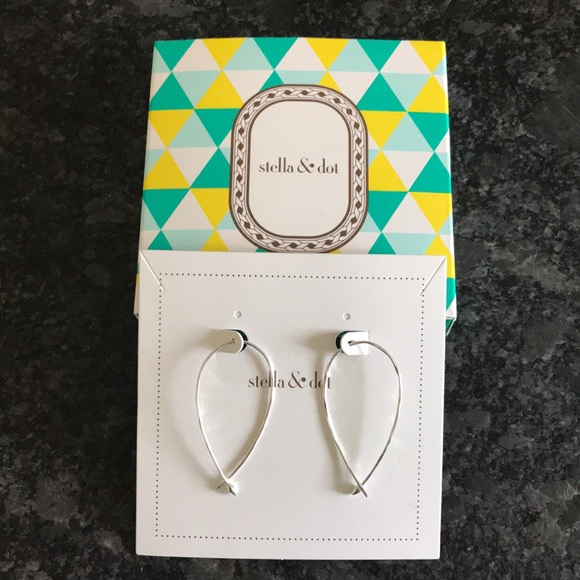 f6a950a2060e6 Stella & Dot Hammered Wire Small Hoops - Silver